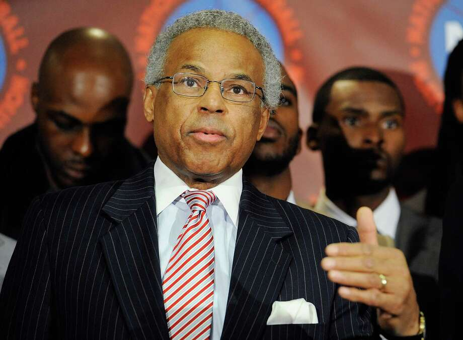 NEW YORK, NY - NOVEMBER 08:  Billy Hunter, Executive Director of the National Basketball Players Association speaks at a press conference after the NBPA held a meeting to discuss the NBA lockout at the Sheraton New York Hotel & Towers on November 8, 2011 in New York City.  (Photo by Patrick McDermott/Getty Images) Photo: Patrick McDermott, Stringer / 2011 Getty Images
