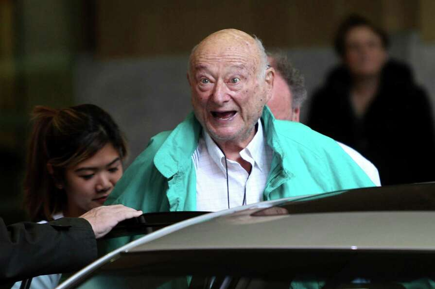 FILE - In this Dec. 10, 2012 file photo, former New York City Mayor Ed Koch says good-bye to reporte