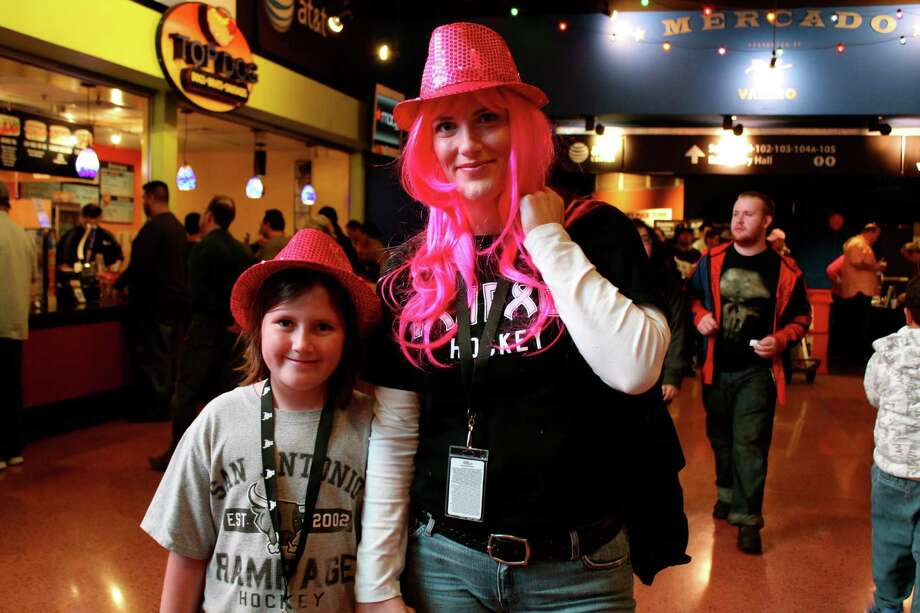 Supporting Breast Health Awareness at the AT&T Center. Photo: Yvonne Zamora, MySA.com/ SA