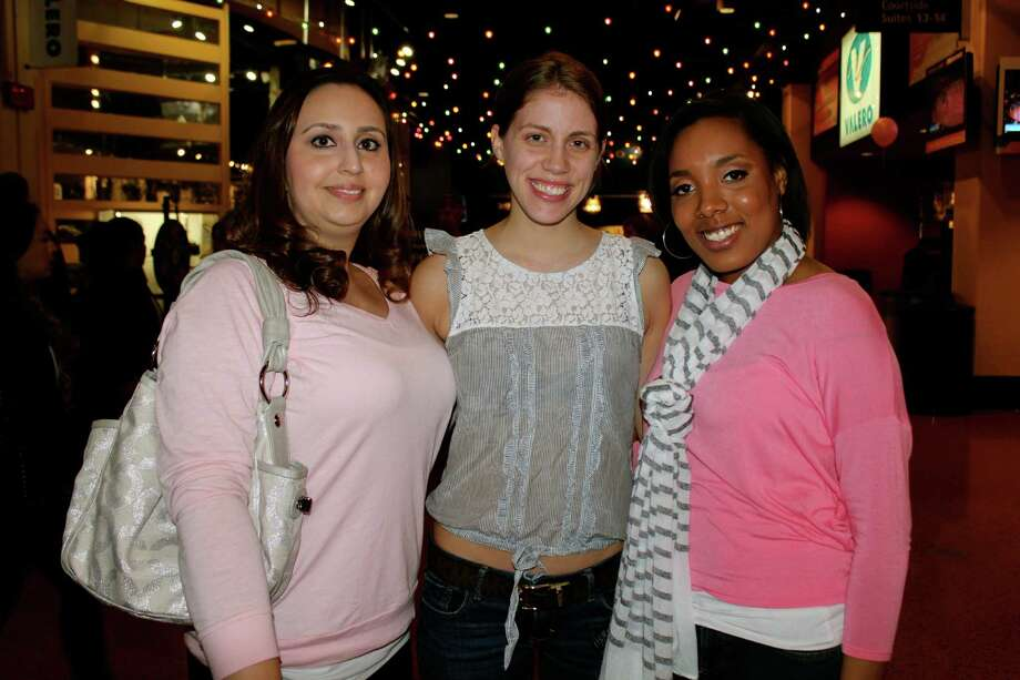 Supporting Breast Health Awareness at the AT&T Center. Photo: Yvonne Zamora, MySA.com/ SA