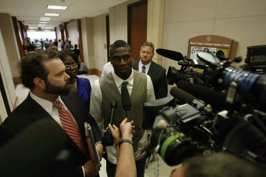 Sept. 22, 2009Jacoby Jones talks to the media after making an appearance at the Harris County Criminal Court House to deal with a case in his involvement of an alleged DWI charge. Photo: Julio Cortez, Houston Chronicle / Houston Chronicle