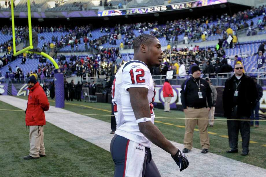 Jan. 15, 2012Texans wide receiver Jacoby Jones walks off the field after the Texans' 20-13 playoff loss to the Ravens. Photo: Brett Coomer, Houston Chronicle / © 2012  Houston Chronicle
