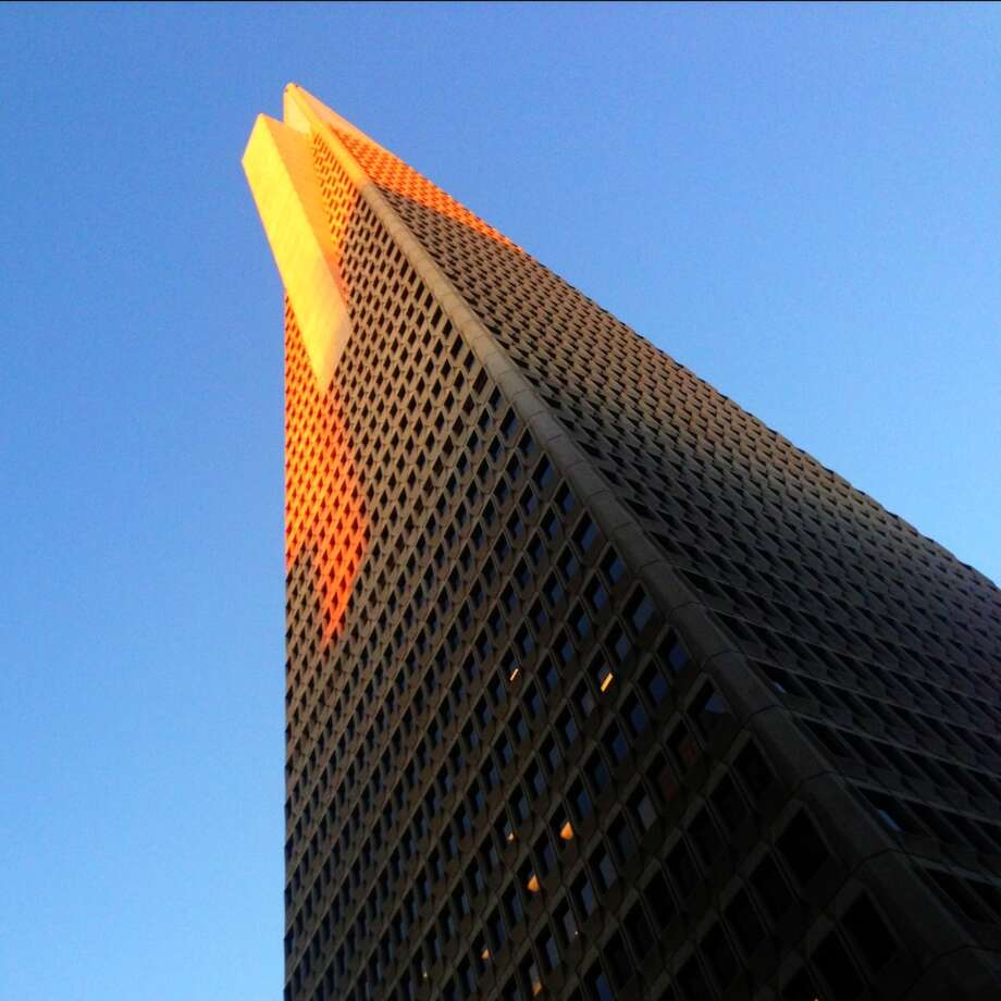 Transamerica Pyramid at last light.-James Temple @jctemple
