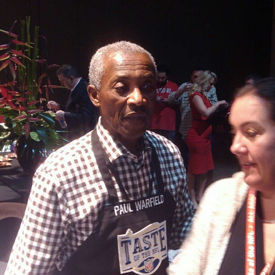 Former Miami Dolphins great Paul Warfield attends a pregame food event. (Al Saracevic)