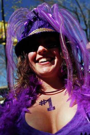 A Baltimore Ravens fan prepares for the game. Photo: Scott Halleran, Getty Images / 2013 Getty Images