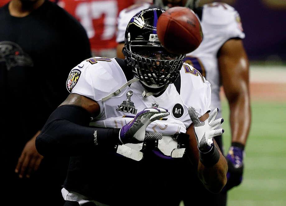 Baltimore Ravens linebacker Ray Lewis (52) warms up before the NFL Super Bowl XLVII. Photo: Elise Amendola