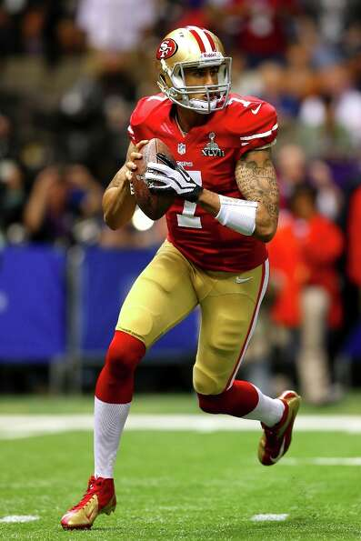 NEW ORLEANS, LA - FEBRUARY 03:  Colin Kaepernick #7 of the San Francisco 49ers looks to pass in the