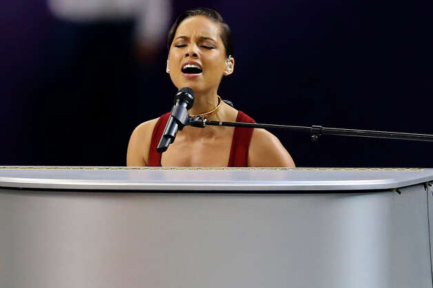 Musician Alicia Keys performs the National Anthem prior to the start of Super Bowl XLVII. Photo: Al Bello / 2013 Getty Images