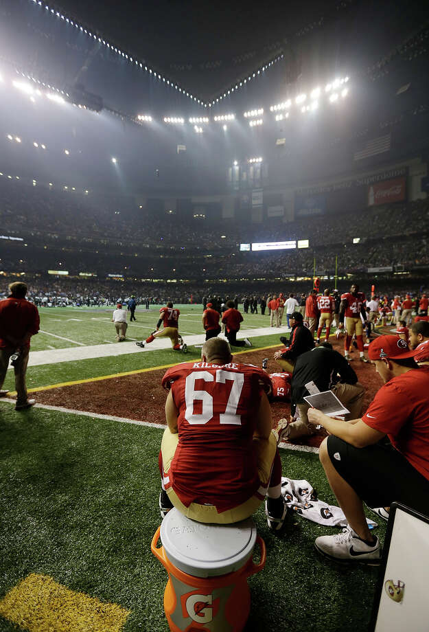 San Francisco 49ers offensive lineman Daniel Kilgore (67) waits on the bench during a power outage during the second half of the NFL Super Bowl XLVII football game Sunday, Feb. 3, 2013, in New Orleans. (AP Photo/Darron Cummings) Photo: Darron Cummings, ASSOCIATED PRESS / AP2013