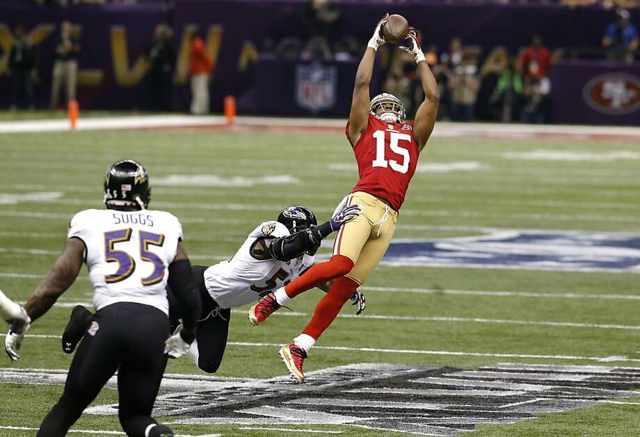 Michael Crabtree caught five passes for 109 yards - this one for 19 yards in the first quarter - and was the target of three straight passes at the game's end. Photo: Carlos Avila Gonzalez, The Chronicle