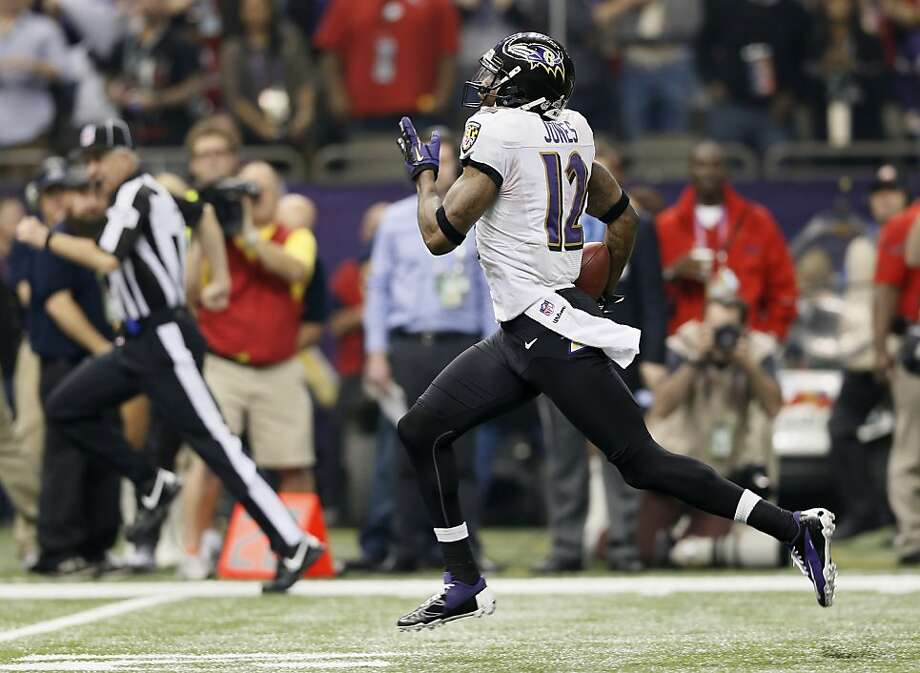 Jacoby Jones returned the second-half kickoff 108 yards for a TD that put the Ravens up 28-6. Photo: Michael Macor, The Chronicle