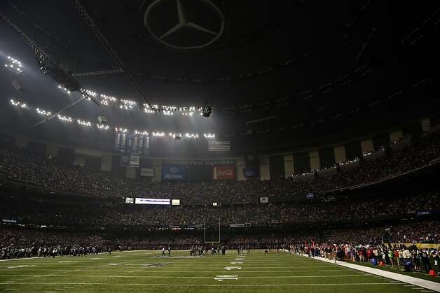 Super Bowl: CBS struggles to shed light