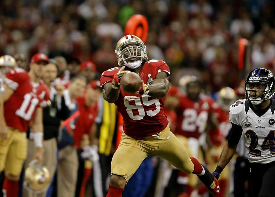 Vernon Davis can't come up with a catch in the fourth quarter that would have moved the 49ers closer to a touchdown in the final minutes of the game. The Baltimore Ravens defeated the San Francisco 49ers in Super Bowl XLVVII 34-31 Sunday February 3, 2013. Photo: Brant Ward, The Chronicle