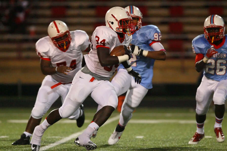 Denzell Evans, RBSchool: BellaireHT: 6-0 WT: 205 Signed to: Arkansas Photo: Matthew White, For The Chronicle / Freelance