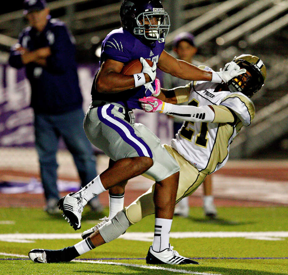 Jalyn Judkins , WRSchool: Angleton HT: 6-3 WT: 208 Committed to: Uncommitted  Photo: Bob Levey, For The Houston Chronicle / ©2012 Bob Levey