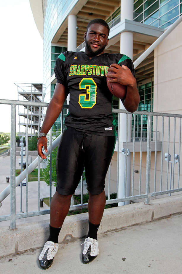 Reggie Chevis , LBSchool: Sharpstown HT: 6-2WT: 238 Signed to: Texas A&M NOT PICTURED:Jonathan London , LBSchool: Manvel HT: 6-0WT: 232 Committed to: Uncommitted  Photo: Handout / Sports