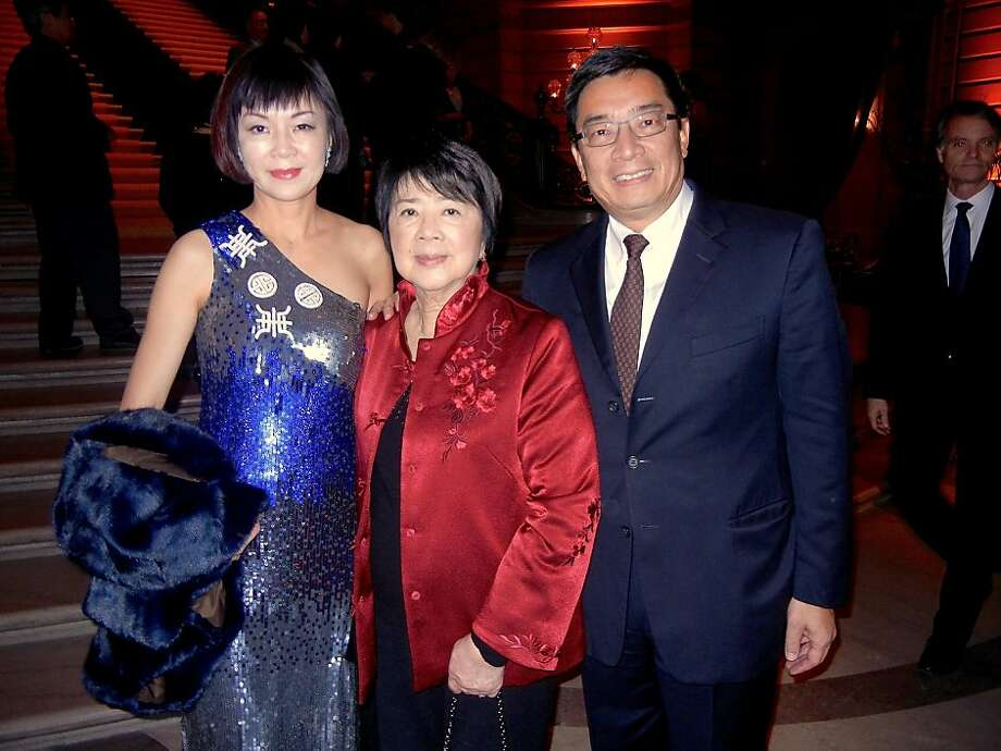 Hui Ling Chen (left) with her mom, Liu Chiao Lin, and husband Steven Chen at the Lunar New Year celebration. Photo: Catherine Bigelow, Special To The Chronicle