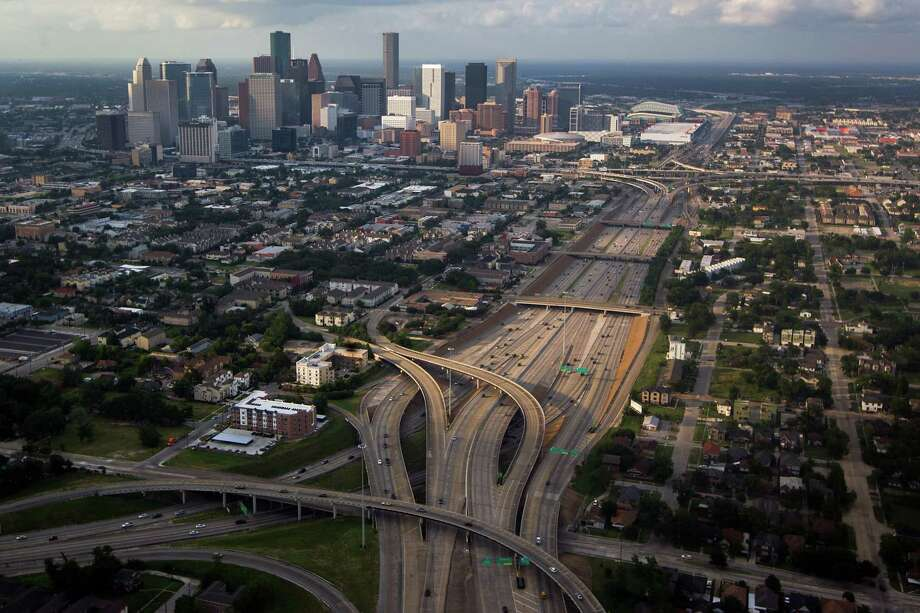 5. State Highway 288Commuters driving north on SH-288 can see speeds under 20 miles per hour around Beltway 8, and in the 30s and 40s all the way up to US-59. By 9 a.m., speed averages are back to normal.Source:Transtar Photo: Smiley N. Pool, Houston Chronicle / © 2012  Houston Chronicle