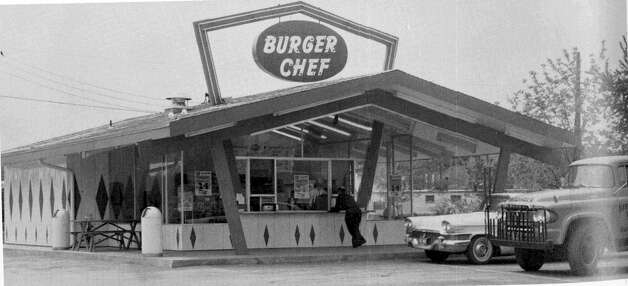 Burger Chef was born in 1954 in Indianapolis, Ind. and once had more than 1,000 locations. Here's a Burger Chef in Dayton, Ohio in 1962. Photo: Northridge Alumni Bear Facts/flickr