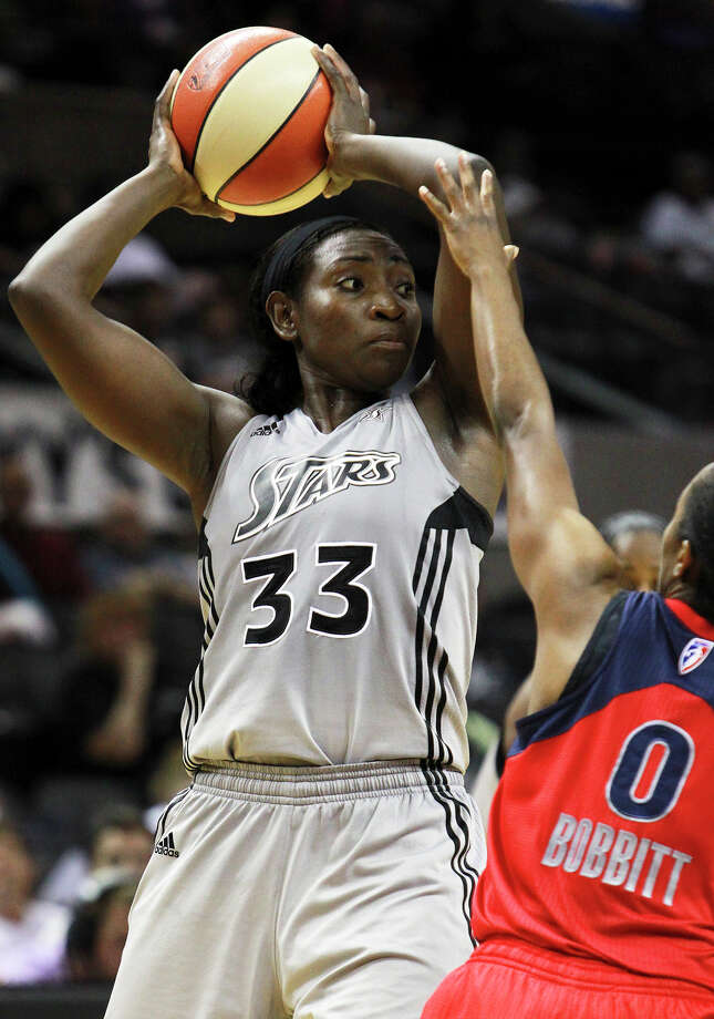 Sophia Young looks over the offense as the Silver Stars host the Washington Mystic at the AT&T Center on August 21, 2012. Photo: Tom Reel, Express-News / ©2012 San Antono Express-News