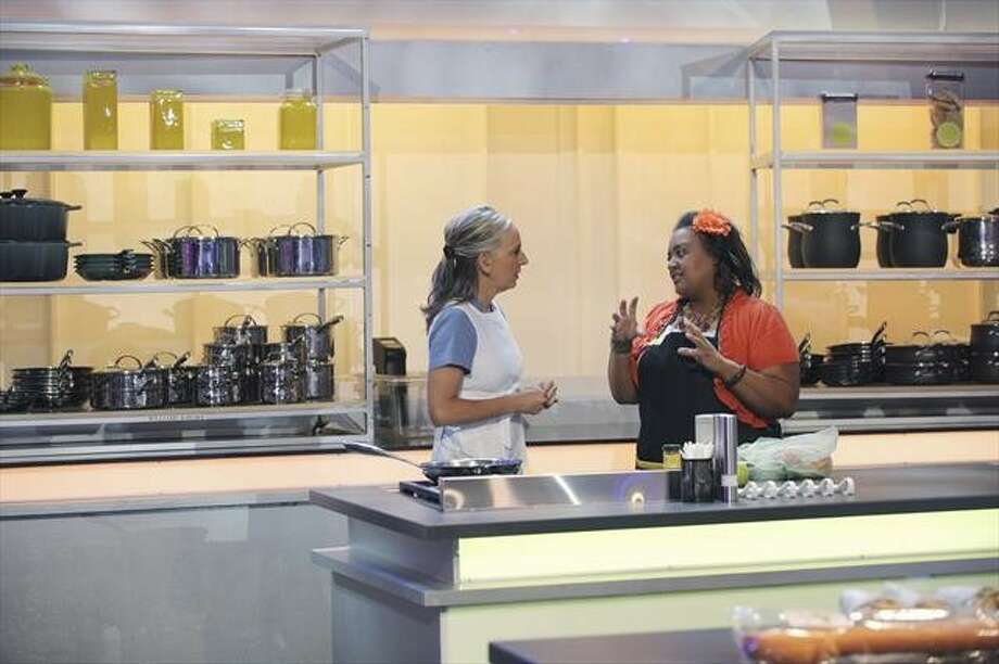 """Contestants GABRIELLE HAMILTON, left, and RENATTA LINDSEY on the set of """"The Taste"""" THE TASTE - """"Comfort Food"""" - The competition gets underway as Anthony Bourdain, Nigella Lawson, Ludovic Lefebvre and Brian Malarkey roll up their sleeves with their teams of four cooks to help create the best tasting """"comfort food"""" dishes. Things really heat up when the mentors now have to judge all 16 contestants in blind taste tests and eliminate two from the competition, on """"The Taste,"""" airing TUESDAY, FEBRUARY 5 (8:00-9:00 p.m., ET) on ABC. (ABC/SASHA SHEMIRANI) GABRIELLE HAMILTON, RENATTA LINDSEY Photo: SASHA SHEMIRANI, ABC"""