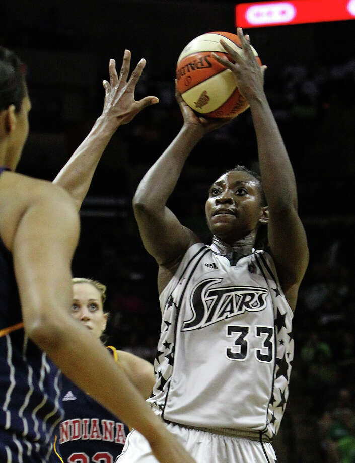 Silver Stars' Sophia Young (33) shoots against the Indiana Fever in the second half at the AT&T Center on Friday, August 20, 2010. Stars defeated the Fever, 75-61. Kin Man Hui/kmhui@express-news.net Photo: KIN MAN HUI, Express-News / San Antonio Express-News
