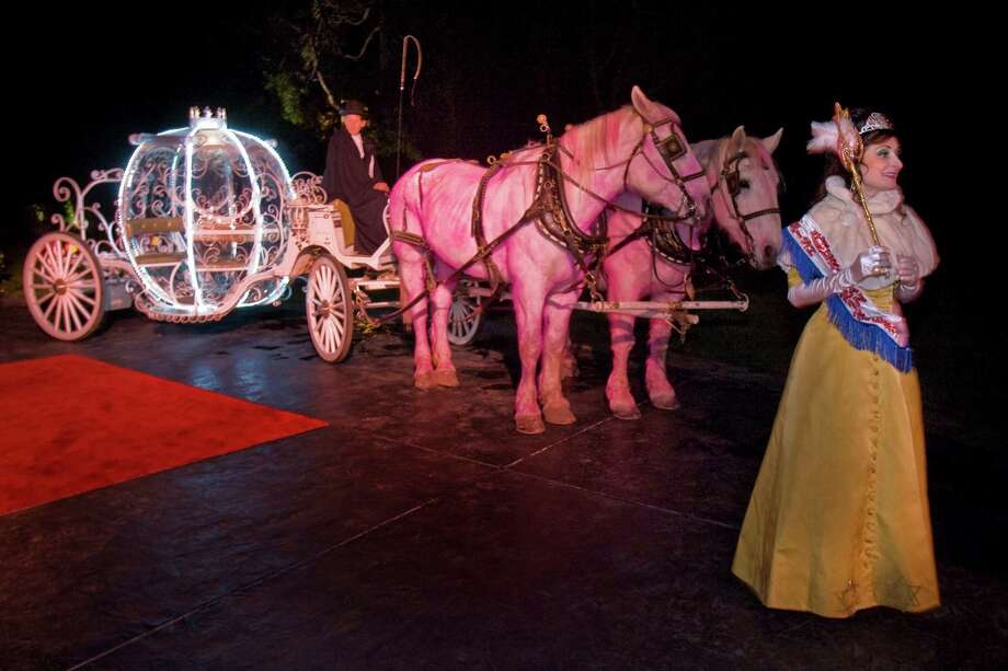 "In 2009, guests of the Valentine's ball to benefit the Stanford Cancer Center, held at the home of Jillian Manus and her then-husband Alan Salzman, were greeted with a ""Happily Never After"" theme. Manus irreverently called upon her event planner to place a Jewish-American princess and a carriage for Cinderella led by horses whose coats were dyed pink at the front door. Photo: Peter DaSilva / Special To The Chronicle / SFC"