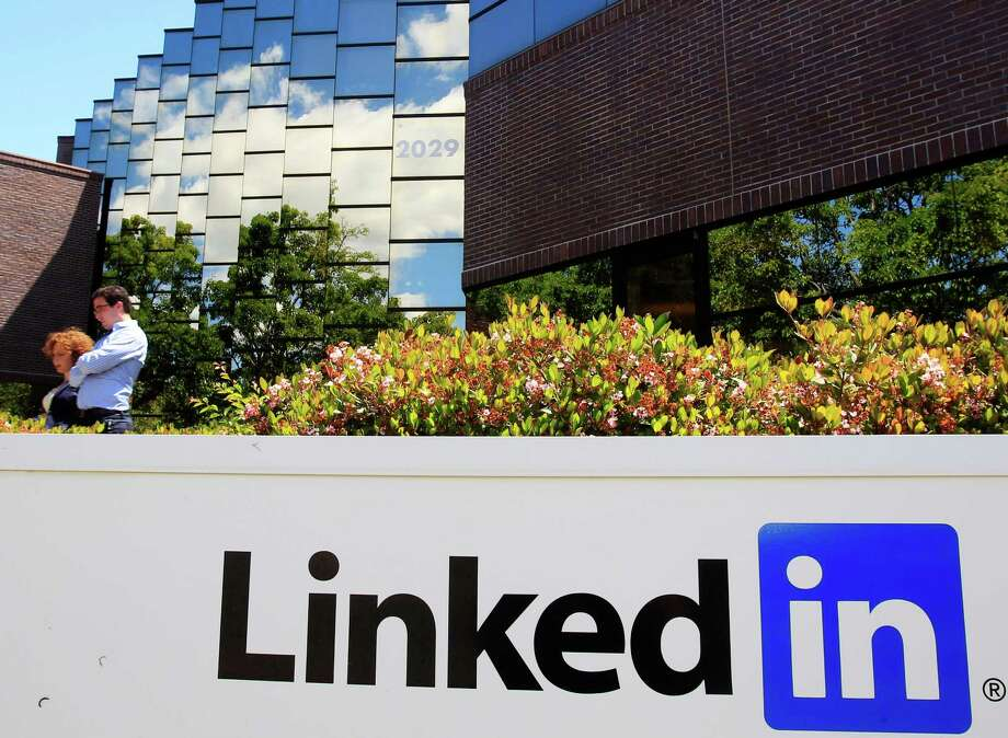 4. LinkedIn pays its interns an average of $5,808 per month, or $69,696 a year.Source: Business Insider Photo: Paul Sakuma, AP / AP