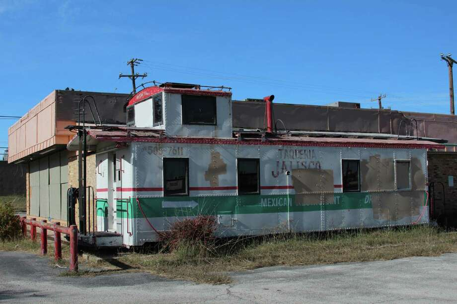 The defunct Taqueria Jalisco lies boarded up and abandoned on San Antonio property just outside Leon Valley, near the intersection of Bandera Road and Loop 410. Photo: Lauri Gray Eaton / Northwest Wee