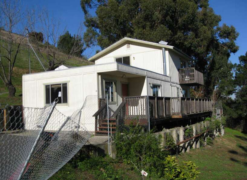 This Brisbane shack was listed at $505,000, but somebody snapped this gem up and it's now pending. H