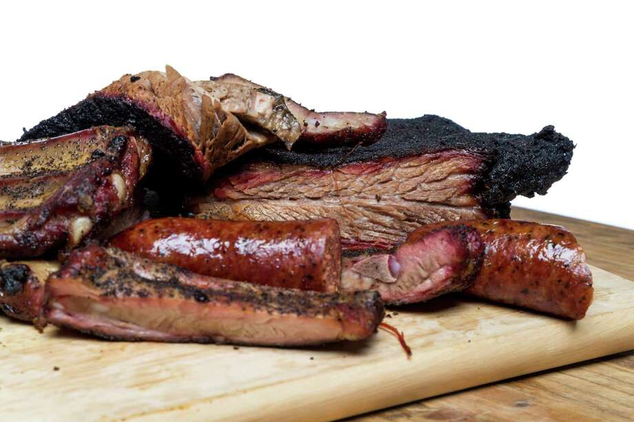 Barbecue from Pizzitola's BBQ. Photo: Michael Paulsen, Houston Chronicle / © 2013 Houston Chronicle