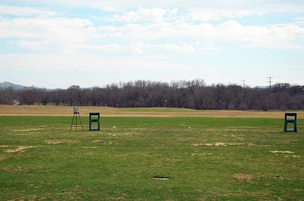 The driving range at the Buckhorn in Comfort is not huge, but provides an opportunity to judge the prevailing wind. Photo: LeAnna Kosub