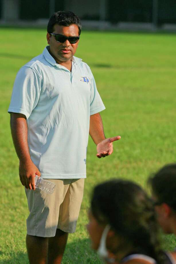 Duchesne head coach Amit Shah at the St Agnes game. Photo: Matthew White, Freelance / Freelance