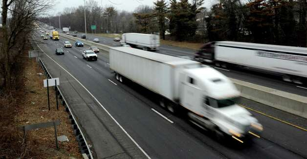 Vehicles travel on I-95 northbound near Darien on Tuesday, February 5, 2013. Photo: Lindsay Perry / Stamford Advocate