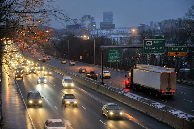 Oncoming traffic travels north along Interstate 95 through Stamford on Tuesday, Feb. 5, 2013. Photo: Jason Rearick / The News-Times