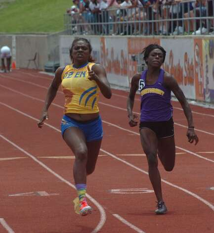 Ozen's Bealoved Brown competes in the girls 100-meter run at the Class 4A Region III track and field meet in Huntsville on Saturday, April 28, 2012. Photo: Jared Ainsworth