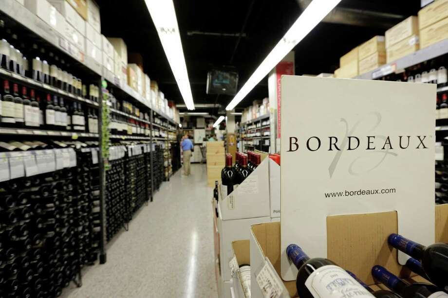 The newly updated Bordeaux aisle at Spec's on Smith. Photo: TODD SPOTH, Photographer / © TODD SPOTH, 2012
