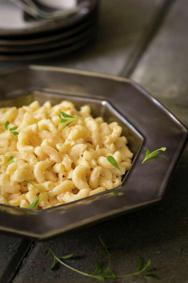 """Yes You Can Mac and Cheese from """"From Mama's Table to Mine"""" by Bobby Deen. Photo: Ben Fink Photography / Ben Fink Photography"""