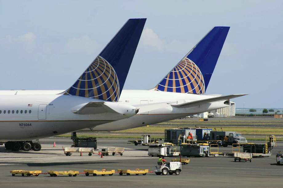 United Airlines has a number of flights to Honolulu International Airport. October 2012. Photo: Bill Montgomery