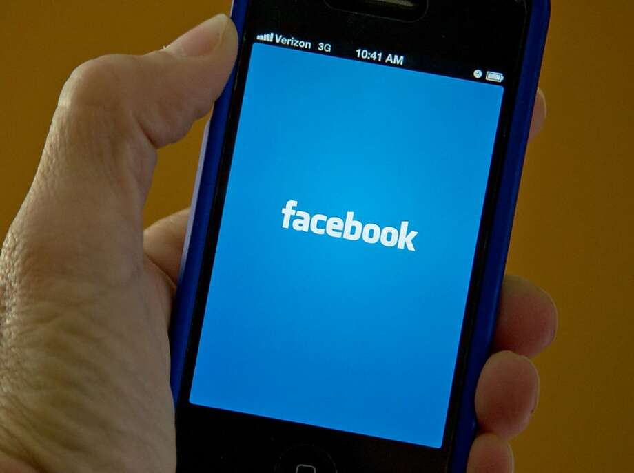 Facebook apparently will have a smartphone app that will track the location of users. Photo: Karen Bleier, AFP/Getty Images