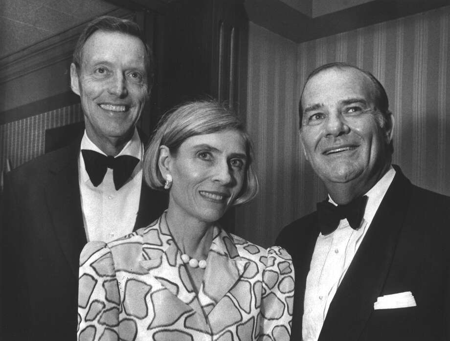 Tom Frost and Camilla and Bill Parker attend an event honoring major contributors to the Methodist Hospital Foundation on May 9, 1986, at the Plaza Club in Frost Bank Tower. Photo: San Antonio Express-News File Photo