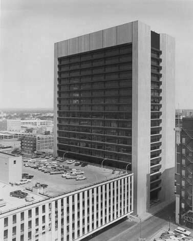 Frost Bank Tower is seen on Aug. 5, 1973. Photo: San Antonio Express-News File Photo