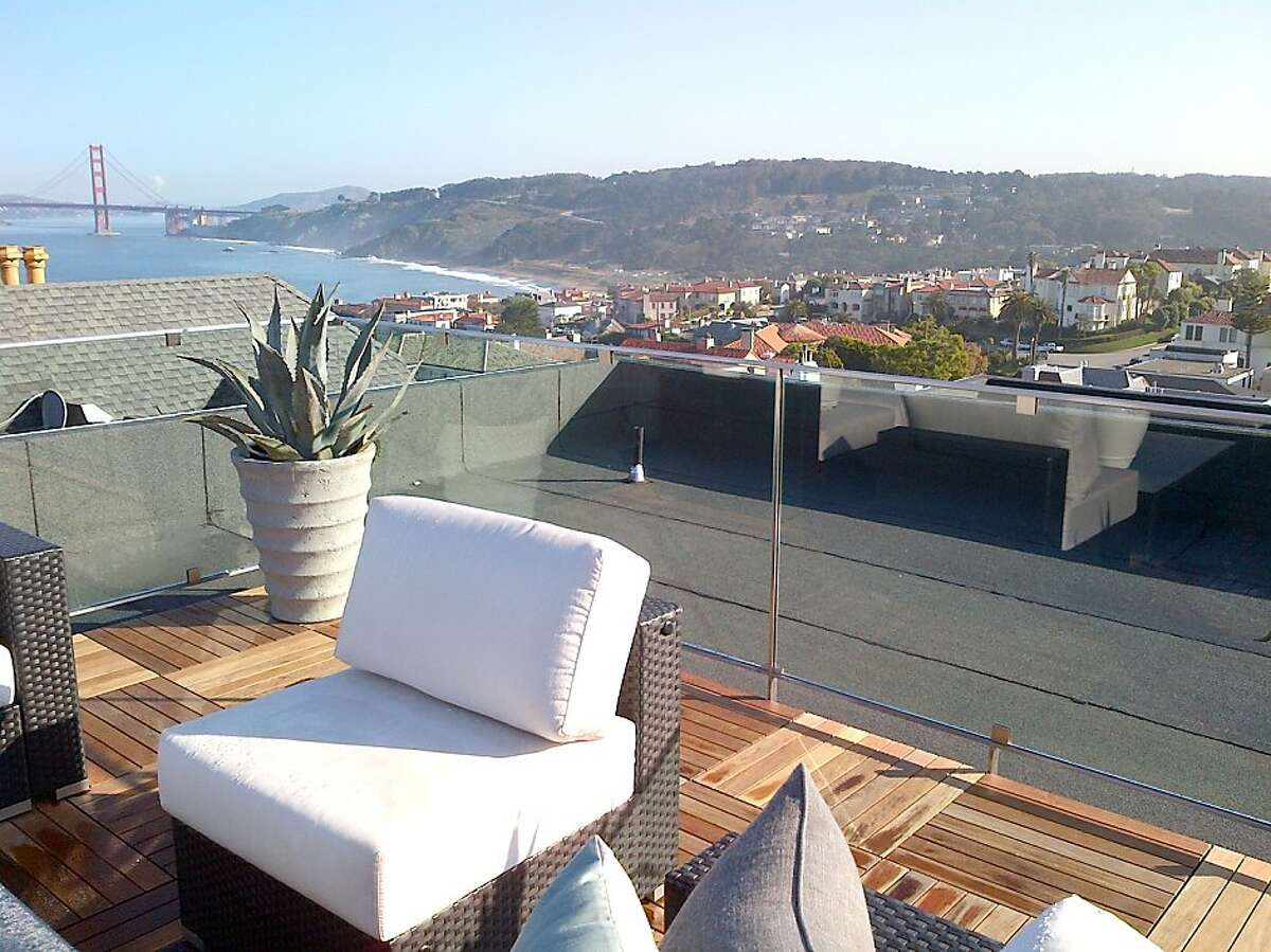 The roof deck overlooks San Francisco and provides unobstructed views of the Golden Gate Bridge.