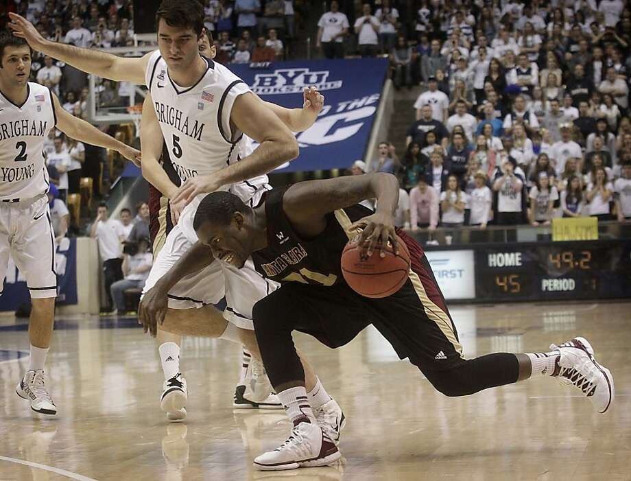 Santa Clara's Kevin Foster drives the ball to the basket during the first half against Bringham Young in an NCAA college basketball game in Provo, Utah, Saturday, Feb. 2, 2013. (AP Photo/The Daily Herald, James Roh) Photo: James Roh, Associated Press