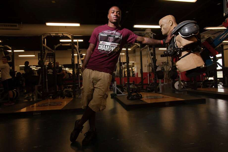 Manvel's Tavares Garner, above, says Kevin Sumlin's accomplishments as a coach helped attract the cornerback to Texas A&M. Photo: Eric Kayne / © 2013 Eric Kayne