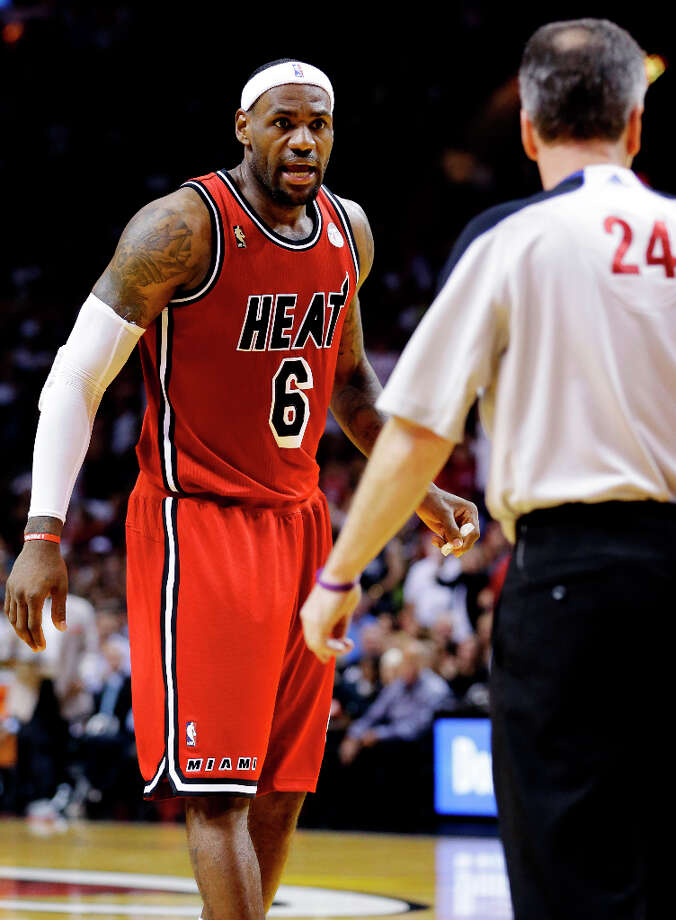 Heat forward LeBron James (6) reacts after a call by referee Mike Callahan. Photo: Wilfredo Lee, Associated Press / AP