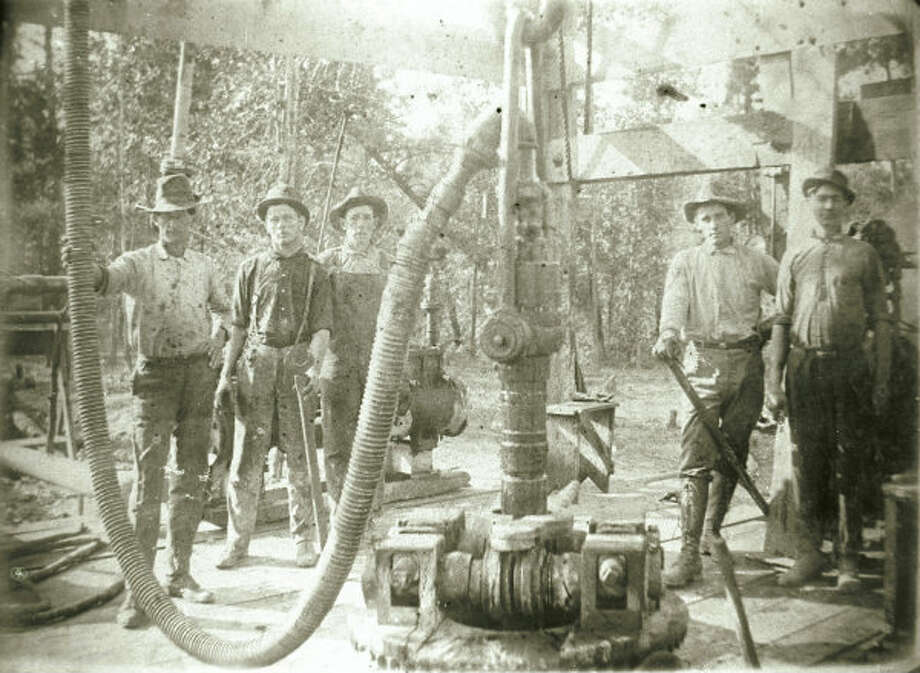 A Spindletop drilling crew in 1901.
