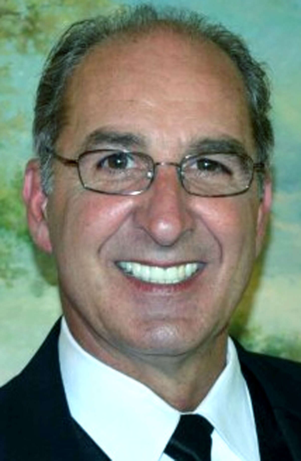 James Quinlan, 56, of St. Charles, Ill., died Jan. 29, 2013, at Delnor-Community Hospital in Geneva, Ill. He was husband of Anna (Testolin) Quinlan. He was born April 20, 1956, in New Milford, the son of Thomas and Marian (Seely) Quinlan. He was united in marriage to Anna Testolin on June 6, 1981. in South Holland, Ill.