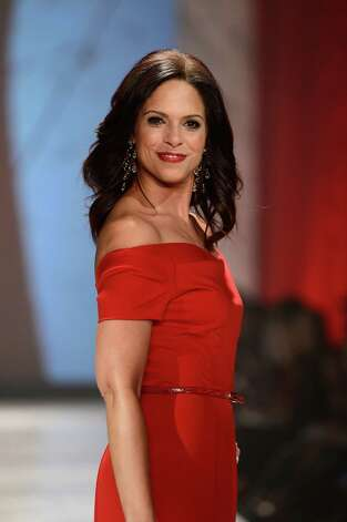 Journalist Soledad O'Brien walks the runway at The Heart Truth 2013 Fashion Show. Photo: Frazer Harrison, Getty / 2013 Getty Images