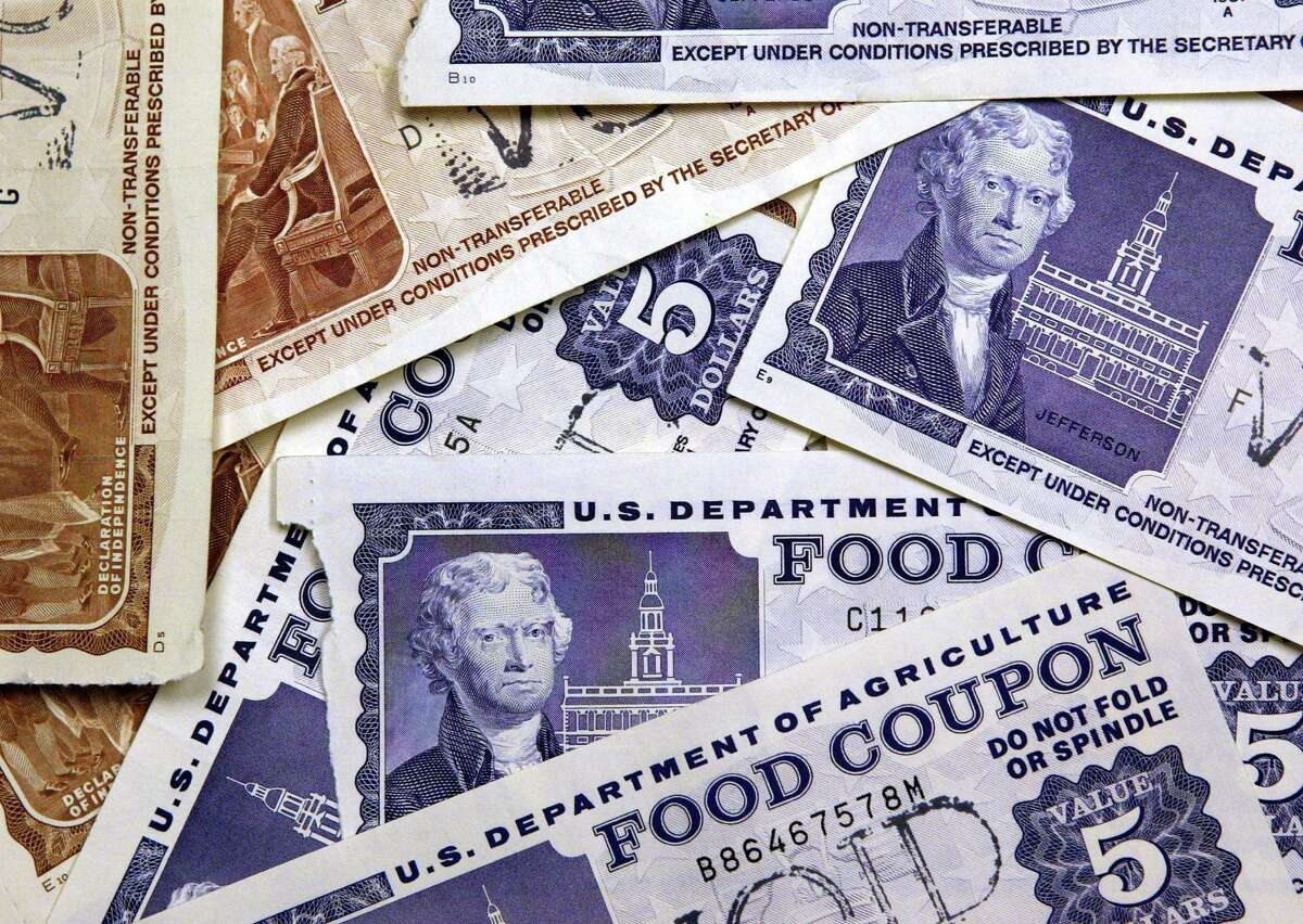 Nationally, 10.2 percent of households receive food stamps. Click through to see which Washington communities are home to the most people receiving food stamps, and the fewest.